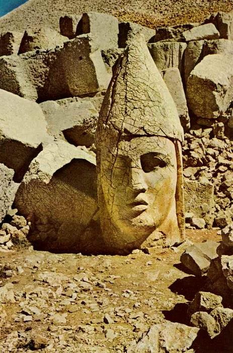 Göbekli Tepe 12000 BC heads 2