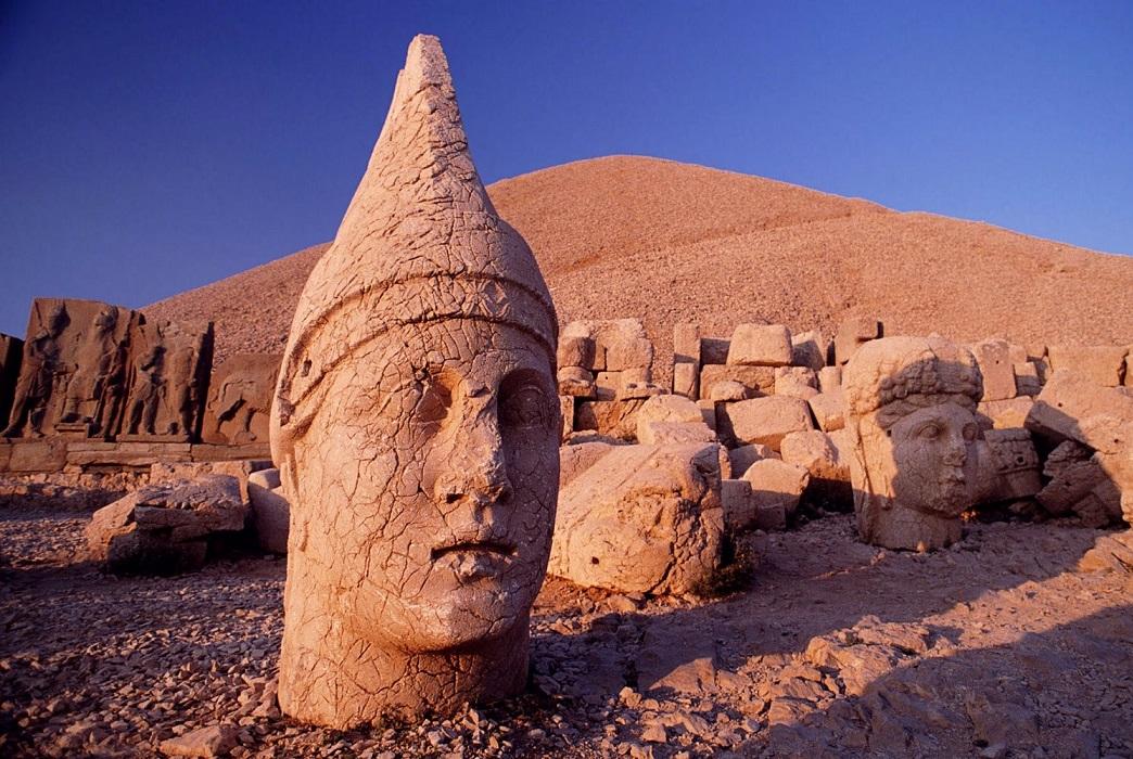 Göbekli Tepe 12000 BC heads 5
