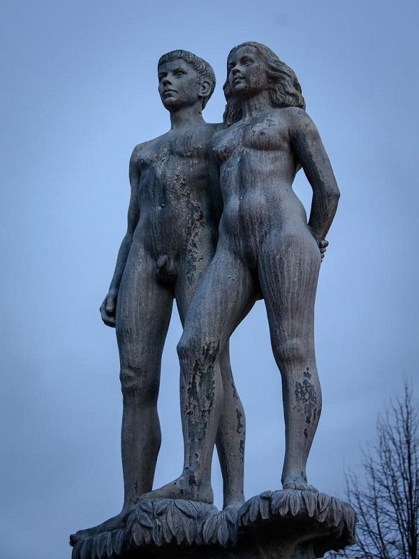 Ask-and-Embla-stand-proudly-above-the-main-square-of-Sölvesborg-Sweden