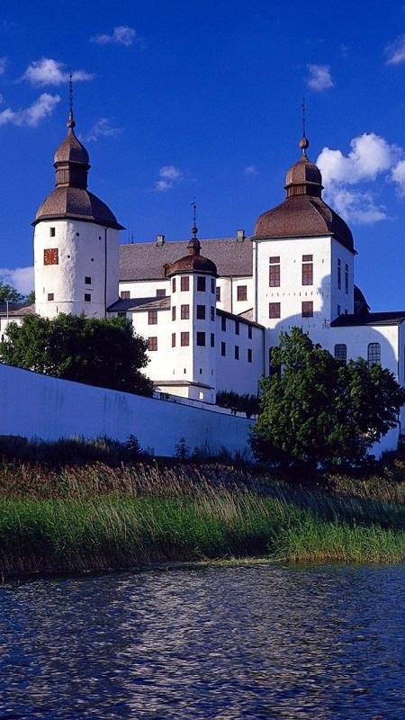 Läckö-castle-at-lake-Vänern-in-Västergötland-Sweden